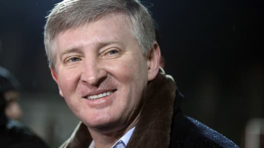 Ukraine's richest man Rinat Akhmetov at a training session of his team in Donetsk on February 12, 2013, a day before its Champions League football match.